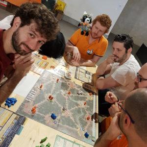 Partite in corso (con mascotte) nell'area gioco libero di GD19